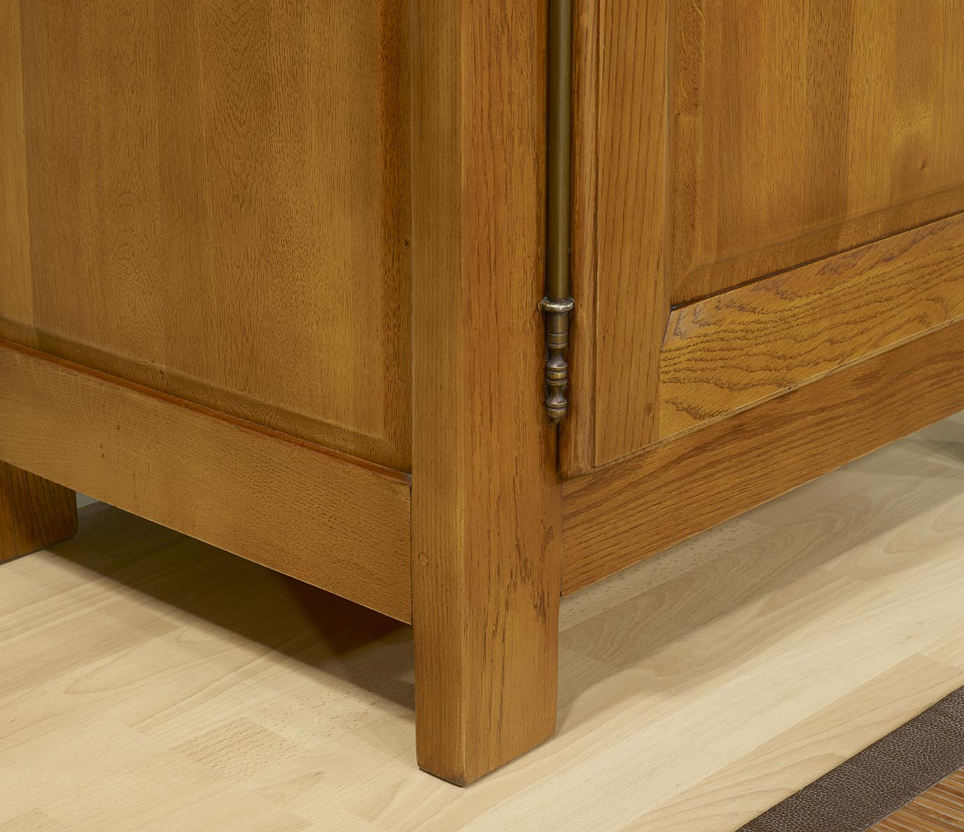 Mueble 1 puerta 1 caj n hecho de roble macizo estilo for Puerta de roble macizo castorama
