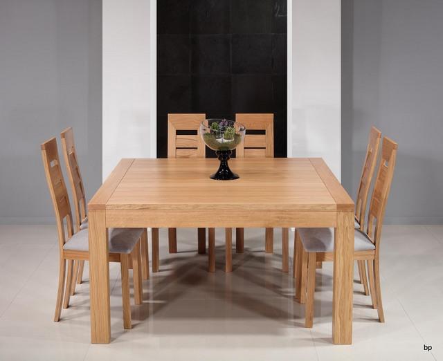 Mesa de comedor cuadrada en madera de roble macizo 140x140 for Mesas cuadradas para comedor